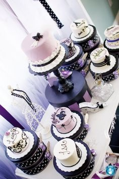thinking about getting mom to try two of these cakes one purple one pink for the twins (: