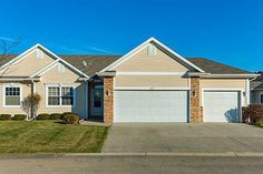 107 Se Sugarberry Ln, Pleasant Hill, IA 50327. 4 bed, 3 bath, $239,900. Waterfront view righ...