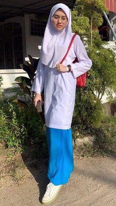 Fashion Muslimah, Ulzzang Fashion, Arab Girls Hijab, Girl Hijab, Beautiful Hijab, Beautiful Women, Singapore School, Kebaya Hijab, Ulzzang Style