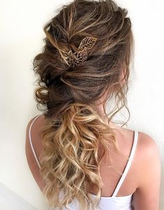 Featured Hairstyle: Hair by Zolotaya; www.instagram.com/hair_by_zolotaya; Wedding hairstyle idea.