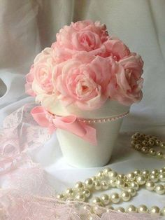 Discover thousands of images about Inspiration Gallery for Pink Wedding Decor Wedding Flower Decorations, Wedding Flowers, Deco Rose, Deco Floral, Diy Centerpieces, Bridal Gifts, Flower Boxes, Handmade Wedding, Pink Roses
