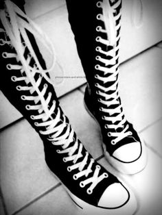 Converse super high tops The sneakers of my dreams Knee High Converse, Converse Chucks, Galaxy Converse, Converse Style, Converse Tumblr, Cute Shoes, Me Too Shoes, Emo Shoes, Shoes Men