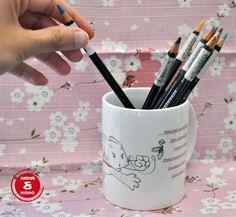 #TAZA #DISENO #ILUSTRACION #CROWDFUNDING - Nanaymomo.com nació como una pequeña idea de Vanessa y Jorge. Ella ilustradora, él diseñador. Todo empezó con un regalo personalizado de Vanessa antes de la boda de Jorge. Al abrir la caja de cartón y ver dentro una taza única, arrancó inmediatamente la idea de crear tazas únicas y divertidas. cup lápices pencils colores colours +INFO http://nanaymomo.com/ Crowdfunding verkami http://www.verkami.com/projects/9637-tazas-ilustradas-nana-y-momo