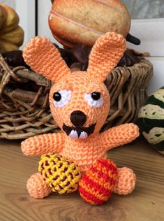 Jack Rabbit and his eggs - free crochet pattern in English or German by Kerstin Batz Easter Crochet, Diy Crochet, Crochet Dolls, Crocheted Toys, Crochet Ideas, Jack Rabbit, Bunny Rabbit, Crochet Rabbit, Easter Bunny