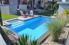 Garden Swimming Pool, Swimming Pool Landscaping, Pool Spa, Swimming Pool Designs, Pool Decks, Modern Pool House, Small Pool Design, Mini Pool, Backyard Pool Designs
