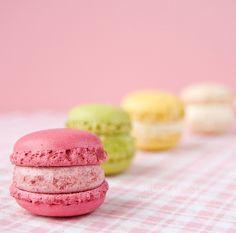 Food-green-macrons-pink-white-favim.com-110752_large