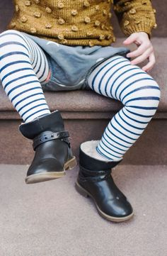 Description Ahoy, mateys! These Hansel from Basel nautical-inspired tights are perfect for the littlest member of your family of pirates. They are made from soft and deliciously stretchy organic cotto