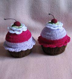 Crochet Cupcakes « The Cupcake Blog thecupcakeblog.com