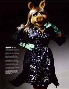 Miss Piggy my new hero!  She's got a great interview in InStyle Magazine Nov issue!  Gotta love her!