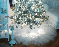 Tulle Christmas Trees, Frozen Christmas Tree, Peacock Christmas Tree, Rose Gold Christmas Decorations, Felt Christmas Stockings, Christmas Holidays, White Christmas, Christmas Room, Xmas Tree