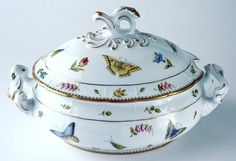 Anna Weatherley Spring in Budapest Oval Soup Tureen Anna Weatherley Porcelain Dinnerware, China Porcelain, Kings Table, Kitchen Organisation, Fine Linens, China Painting, China Patterns, Budapest, Soup