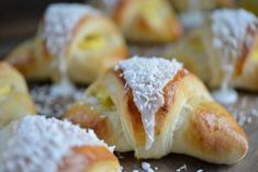 Er du glad i skoleboller? Baking Recipes, Snack Recipes, Snacks, Norwegian Food, Norwegian Recipes, Sweet Buns, Dessert For Dinner, Recipes From Heaven, Sweet And Salty