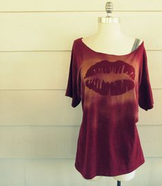 WobiSobi: Bleached Lip T-shirt, DIY ^ This site is the BEST for shirt DIYs!!!
