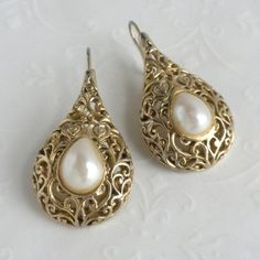 Vintage Gold Teardrop Filigree and Faux by VintagePossessions, $12.95