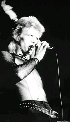 David Bowie the Thin White Duke David Bowie Born, David Bowie Ziggy, Stoner Rock, Jazz, Hard Rock, Rockabilly, Heavy Metal, Ziggy Played Guitar, Mick Ronson