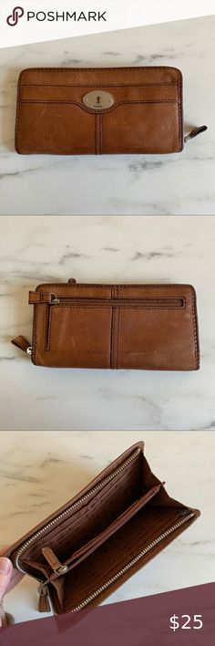 Leather Fossil Wallet Lighting makes the hardware look gold but it's SILVER  Used but still in good condition - Normal wear and tear Fossil Bags Wallets Fossil Wallet, Fossil Bags, Normal Wear And Tear, Wallets, Hardware, Lighting, Silver, Gold, Leather