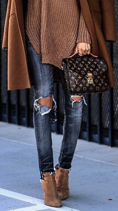 fall+fashion+trends+|+coat+++bag+++rips+++bag+++sweater+++boots