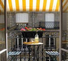 A balcony to dine on