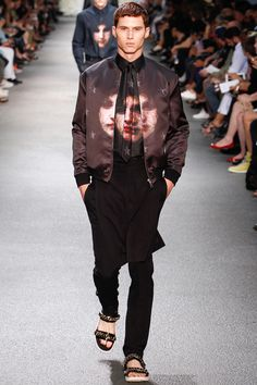 Givenchy 2013 Spring/Summer Collection: After experiencing an arguable renaissance in popularity throughout the last year, Givenchy Quirky Fashion, Fashion Art, Runway Fashion, Fashion Show, Mens Fashion, Fashion Menswear, Paris Fashion, Crazy Fashion, Givenchy Man