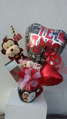 Learn how to make easy Valentines Gifts in a Jar for your boyfriend, girlfriend or coworker. You can buy all the supplies you need at your local dollar store for these budget friendly presents Valentines Day Baskets, Valentines Day Decorations, Valentine Day Crafts, Valentine Messages, Little Valentine, Candy Arrangements, Valentine Bouquet, Valentines Balloons, Balloon Gift