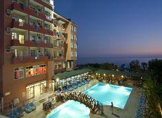 Turkije, Alanya, Rheme Beach Hotel 4*.  Ligt aan kiezel/zandstrand van Konakli, op 11 km van gezellige centrum van Alanya. Eenvoudige, betaalbare accommodatie, buitenbad, waterglijbaan en een pier