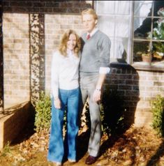 Young Alan Jackson Poses For Photo With High School Sweetheart – His Wife Denise – Country Music Family American Country Music Awards, Country Music Association, Academy Of Country Music, Country Music Artists, Country Music Stars, Country Singers, Allan Jackson, Jackson Life, Jackson Family