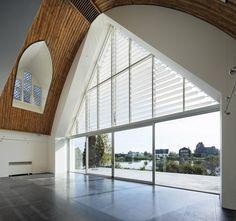 House in a church von Ruud Visser. Architect. | Einfamilienhäuser