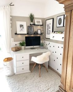 White Home Office Ideas To Make Your Life Easier; home of… White Home Office Ideas To Make Your Life Easier; home office idea;Home Office Organization Tips; chic home office. Home Office Space, Home Office Design, Home Office Decor, Home Design, Interior Design, Home Decor, Office Designs, Design Ideas, Desk Space