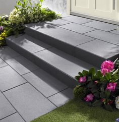 Vanity Stufen in dunkelgrau garden steps Front Door Steps, Front Walkway, Front Yard Landscaping, Modern Garden Design, Patio Design, Exterior Design, Patio Steps, Garden Steps, Small Front Gardens