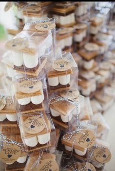 20 Fall Wedding ideas You'll Fall in Love with Page 2 of 2 is part of Wedding favors fall - Photo Credits Wedding Chicks Style Me Pretty You and Your Wedding Happy Wedd Wedding Wire Junebug Weddings Bridal Guide Wedding Favors And Gifts, Outdoor Wedding Favors, Wedding Bonfire, Wedding Backyard, Wedding Rustic, Wedding Ceremony, Smore Wedding Favors, Wedding Venues, Country Wedding Favors