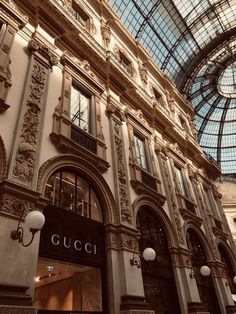 brown aesthetic vintage Finding the PERFECT Shoes in Milan Boujee Aesthetic, Brown Aesthetic, Aesthetic Collage, Travel Aesthetic, Aesthetic Vintage, Aesthetic Photo, Aesthetic Pictures, Cream Aesthetic, Photo Wall Collage