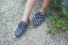 Apresentando: Hamsa;  o Oxford que te traz proteção a cada passo, sem machucar nenhum ser vivo no caminho.  > Feito de reciclagem de garrafa PET e disponível aqui: http://insecta.shoes/hamsa_scarabeus #hotshoes #forsale #ilike #shoeslover #like4lik #shoes #niceshoes #sportshoes #hotshoes