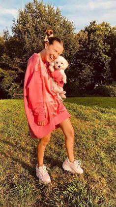✧・゚: *✧・゚:* 𝐈𝐍𝐂𝐋𝐔𝐃𝐄𝐒 𝘯𝘰𝘢𝘩 𝘴𝘤𝘩𝘯𝘢𝘱𝘱 𝘧𝘪𝘯𝘯 𝘸𝘰𝘭𝘧𝘩𝘢𝘳𝘥 𝘮𝘪𝘭𝘭𝘪𝘦 𝘣𝘰𝘣𝘣𝘺 𝘣𝘳𝘰𝘸𝘯 𝘨𝘢𝘵𝘦𝘯 𝘮𝘢𝘵𝘢𝘳𝘢𝘻𝘻𝘰 𝘤𝘢𝘭𝘦𝘣 𝘮𝘤𝘭𝘢𝘶𝘨𝘩𝘭𝘪𝘯 𝘴𝘢𝘥𝘪𝘦 𝘴𝘪𝘯𝘬 𝐒𝐔𝐌 𝐃𝐈𝐑𝐓𝐘 𝐒𝐇𝐈𝐓! Millie Bobby Brown, Bobby Brown Stranger Things, Tumbrl Girls, Enola Holmes, Sadie Sink, Celebs, Celebrities, Best Actress, Role Models