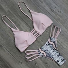 Картинка с тегом «bikini»