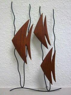 Put among some ferns. Metal Art Sculpture, Fish Sculpture, Sculptures, Metal Fish, Wood Fish, Metal Crafts, Wood Crafts, Wooden Animals, Driftwood Art