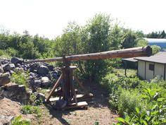 Medieval hoisting crane for LARP Larp, Crane, Medieval, Camping, Plants, Earth, Campsite, Mid Century, Plant
