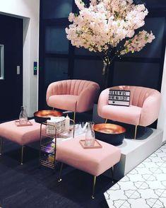 Home Nail Salon, Nail Salon Design, Beauty Salon Interior, Salon Interior Design, Luxury Interior, Salon Nails, Luxury Decor, Interior Modern, Scandinavian Interior