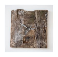 Model no 20. Aged wood is a beautiful way to add character to your home or garden. Developped naturally. Pine wood. Size: 26 cm x 37 cm.