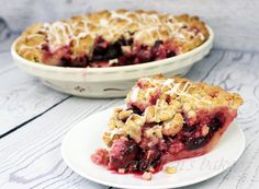 This fresh Cherry Crumb Pie recipe will have you tossing out your old pie recipes! Fresh cherries piled with sweet cinnamon crumble topping is