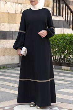 Muslim Women Fashion, Arab Fashion, Mode Abaya, Mode Hijab, Elegant Dresses For Women, Beautiful Dresses, Modest Fashion Hijab, Fashion Outfits, Simple Gown Design