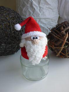 Häkelanleitung Nikolaus Bonbonglas Mehr Crochet Christmas Cozy, Christmas Crochet Patterns, Christmas Toys, Christmas Knitting, Christmas Decorations, Xmas, Christmas Ornaments, Crochet Jar Covers, Crochet Ornaments