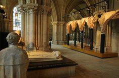 Tombeau du Duc Jean de Berry au sein de la crypte de la Cathédrale de Bourges