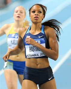 sprinter Natasha Hastings won gold in the at the 2008 Summer Games in Beijing, a feat she accomplished after winning the 2007 NCAA Indoor and Outdoor championships as a member of the South Carolina Gamecocks track and field team. Allyson Felix, Natasha Hastings, Beautiful Athletes, Van Damme, Olympic Athletes, Big Muscles, Summer Olympics, Female Athletes, Women Athletes