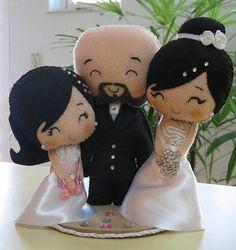 Topo de bolo noivinhos com daminha. Personalizo a gosto do cliente. R$ 75,00