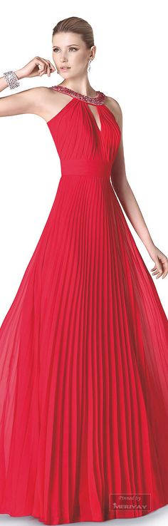 Pin by Misha Alexis on *♔ Couture ♔ Robes Rouges Fashion Vestidos, Fashion Dresses, Red Fashion, Colorful Fashion, Beautiful Gowns, Beautiful Outfits, Elegant Dresses, Nice Dresses, Pret A Porter Feminin