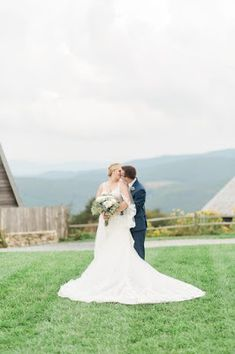 Barn Wedding Venue North Carolina Wedding Photography And Videography, Fine Art Wedding Photography, Nc Wedding Venue, Wedding Donuts, Wedding Cake Alternatives, Wedding Inspiration, Design Inspiration, North Carolina, Blue Ridge