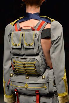 画像: 12/89【UNDERCOVER】avant garde eclectic catwalk spin on post apocalyptic fashion, vintage military look jacket and bag