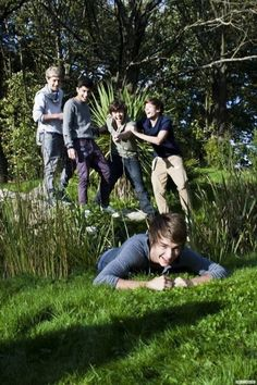 Find images and videos about one direction, niall horan and louis tomlinson on We Heart It - the app to get lost in what you love. Niall Horan, Zayn Malik, Fetus One Direction, One Direction Pictures, I Love One Direction, One Direction Photoshoot, Direction Quotes, Liam Payne, Louis Tomlinson