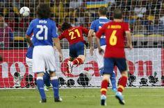David Silva scores a goal // Euro 2012 Euro 2012, Scores, 21st, David, Goals