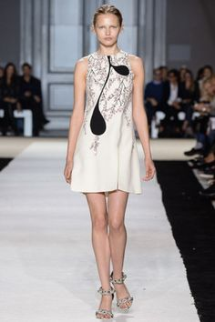 Giambattista Valli Spring 2015 RTW – Runway for more fashion and beauty advise check out The London Lifestylist http://www.thelondonlifestylist.com